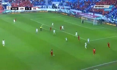 Pha gỡ hòa của Công Phượng không cho thủ môn Jordan cơ hội cản phá