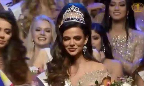 Khoảnh khắc đăng quang của Miss Intercontinental 2018