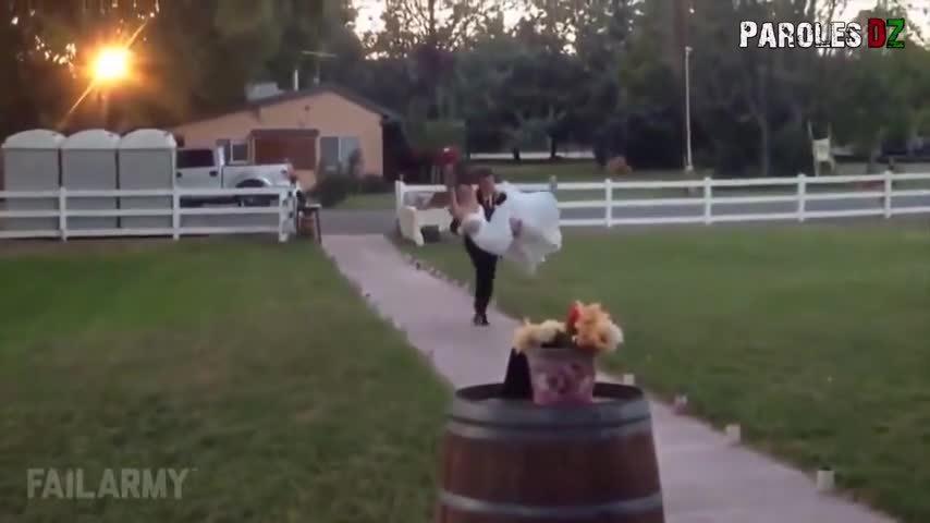 Bị chế giễu vì 'vồ ếch' cô dâu ly hôn sau 3 phút lấy chồng