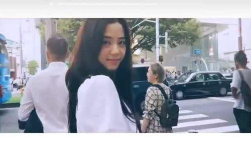 Nhan sắc đỉnh cao của Ji Soo qua ống kính của Lisa
