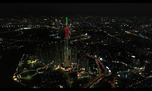 Heineken thắp sáng đỉnh tòa nhà cao nhất Việt Nam dịp ra mắt Heineken Silver