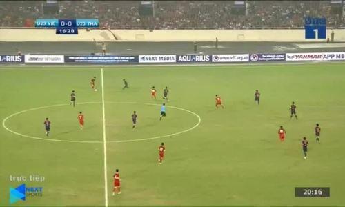 Hà Đức Chinh ghi bàn