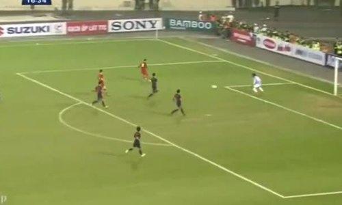 Khoảnh khắc Hà Đức Chinh chọc thủng lưới U23 Thái Lan