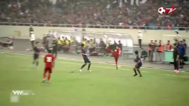 Pha móc bóng điêu nghệ của Quang Hải trong trận gặp Thái Lan