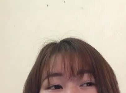 Cô giáo trẻ dạy văn qua You Tube