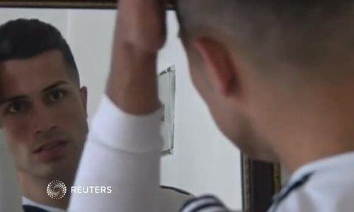 Chàng thợ xây Iraq gây chú ý vì giống Cristiano Ronaldo