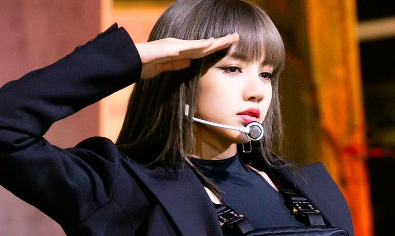 Lisa gây 'bão' với fancam 'Kill this Love' cực hot
