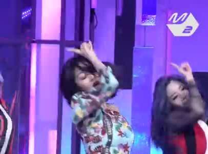 Fancam của Ji Hyo hút view gấp đôi Tzuyu, Sana