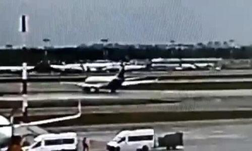 Máy bay Nga nảy lên đập xuống 'như châu trấu' trước khi bốc cháy