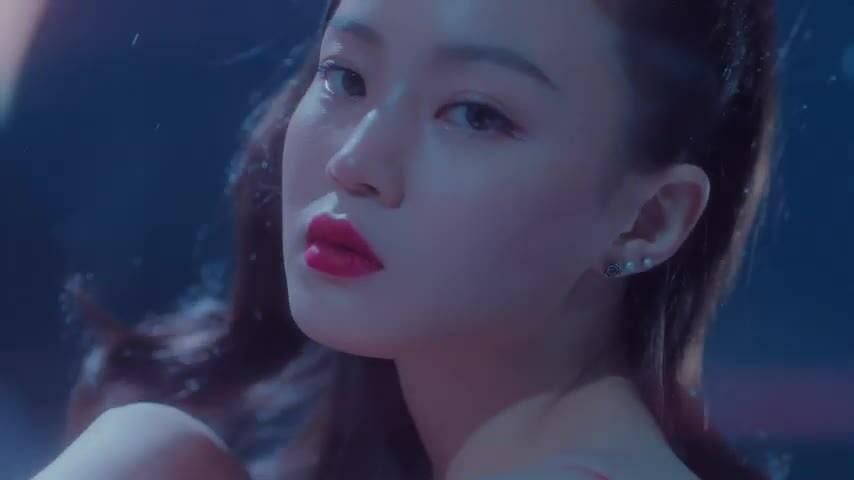 Lee Hi comeback với ca khúc 'gây nghiện' giữa 'tâm bão YG'