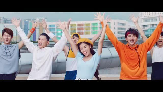 MV 'Đời thiệt là phơi phới' - Hoàng Yến Chibi ft Uni5