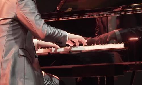 Peter Leung chơi bản 'Dance of Spring'