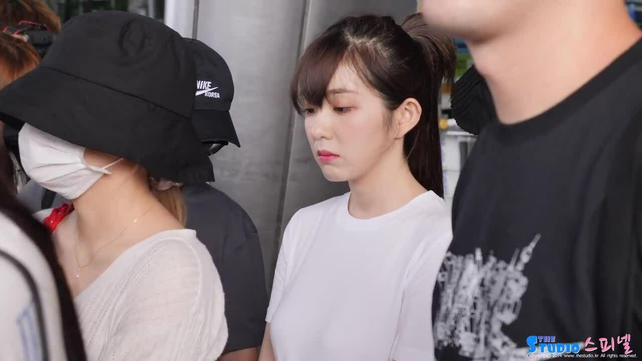 Tzuyu - Irene khiến fan ngẩn ngơ vì kiểu tóc mới