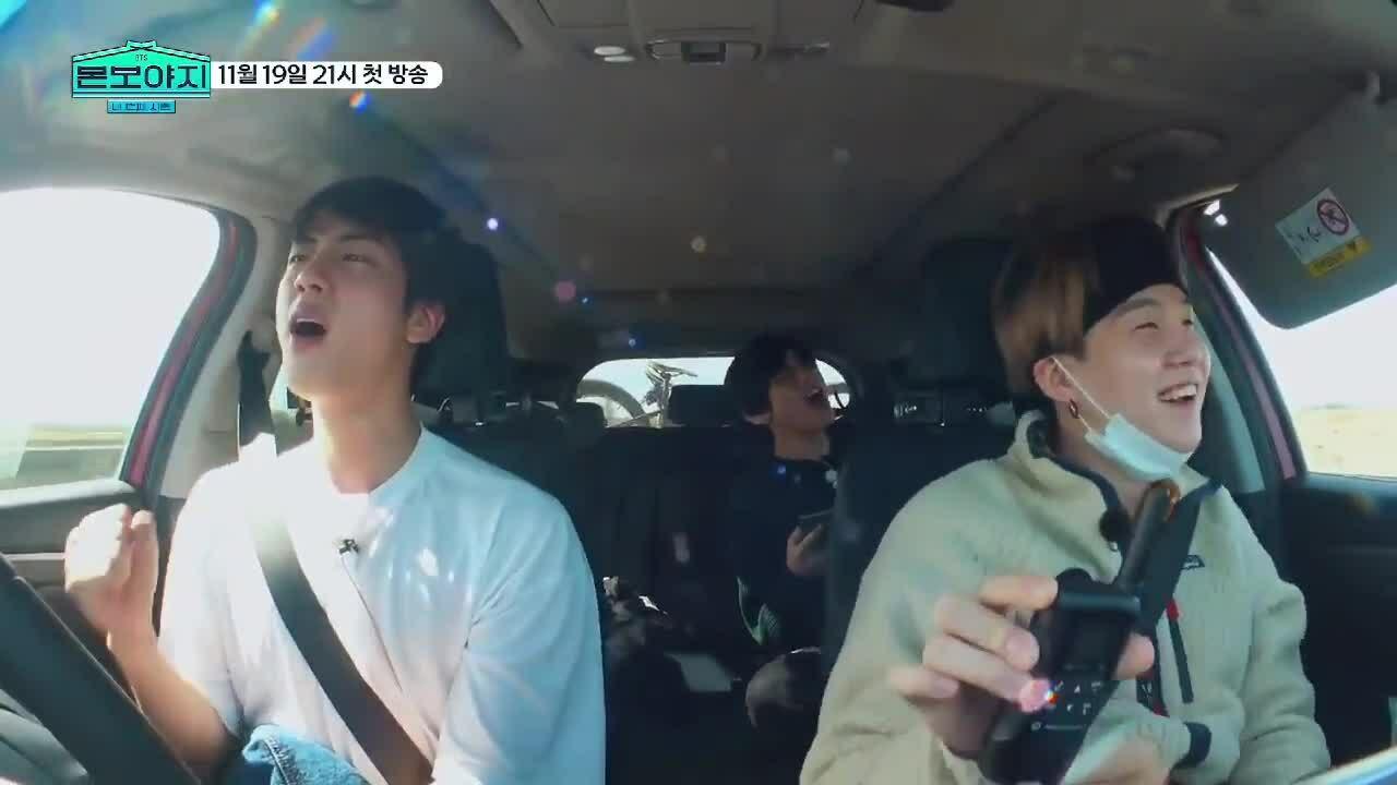 BTS khiến fan thích thú khi 'quẩy tưng bừng' nhạc T-ara