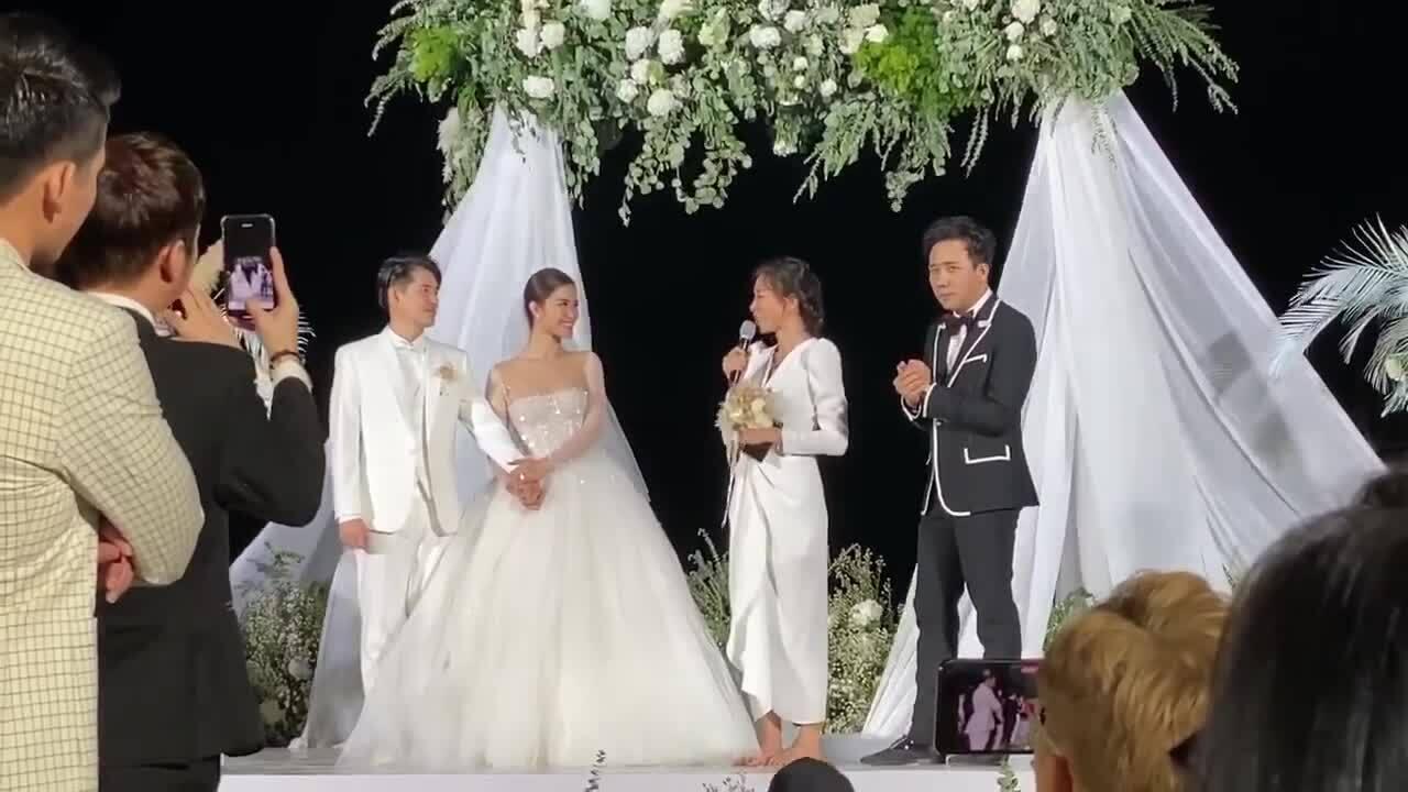 Nhận được hoa cưới của Đông Nhi, Ngô Thanh Vân có chia sẻ xúc động