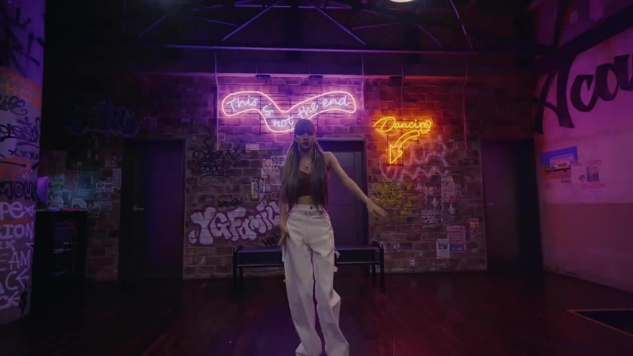 8 bản cover dance đáng xem của thần tượng Kpop