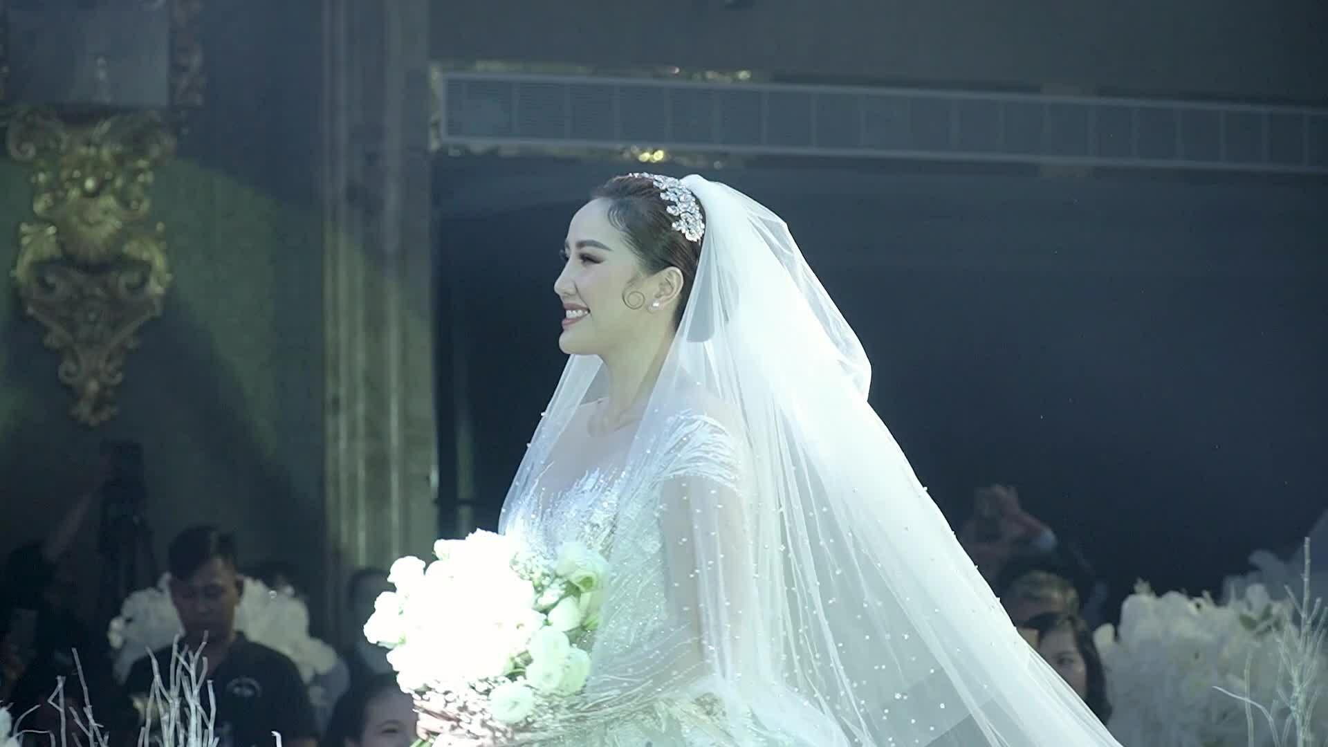 Bảo Thy xinh đẹp tại lễ cưới