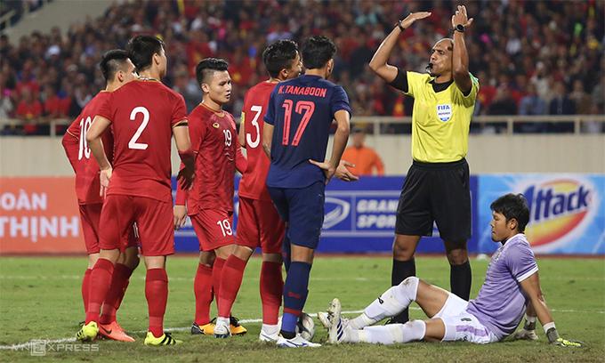 Trọng tài từ chối bàn thắng của Việt Nam