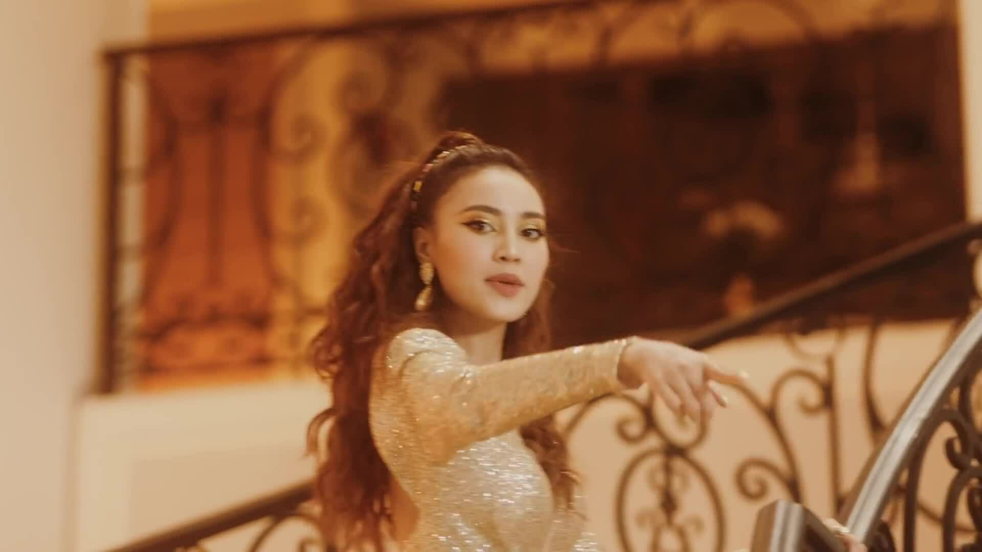 Lan Ngọc: 'Tôi hát live không nổi nên chỉ toàn lipsync thôi'