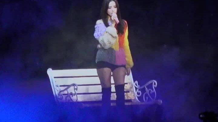 Ji Soo khiến fan bật khóc với sân khấu cover hit của AKMU