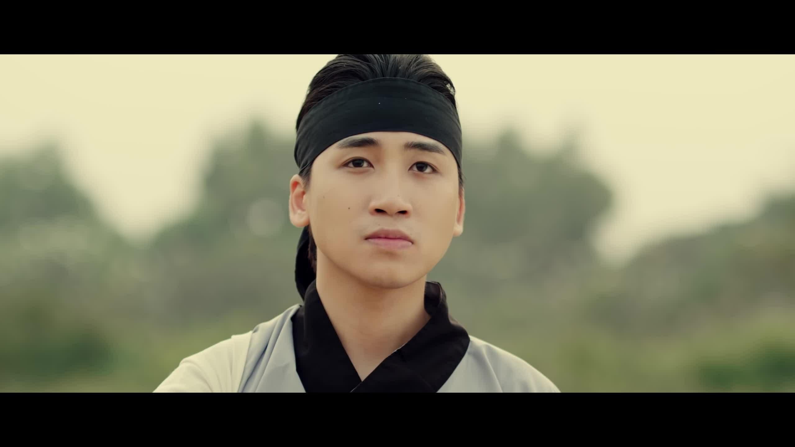 MV Chuyện tình yêu xa - Huy Cung