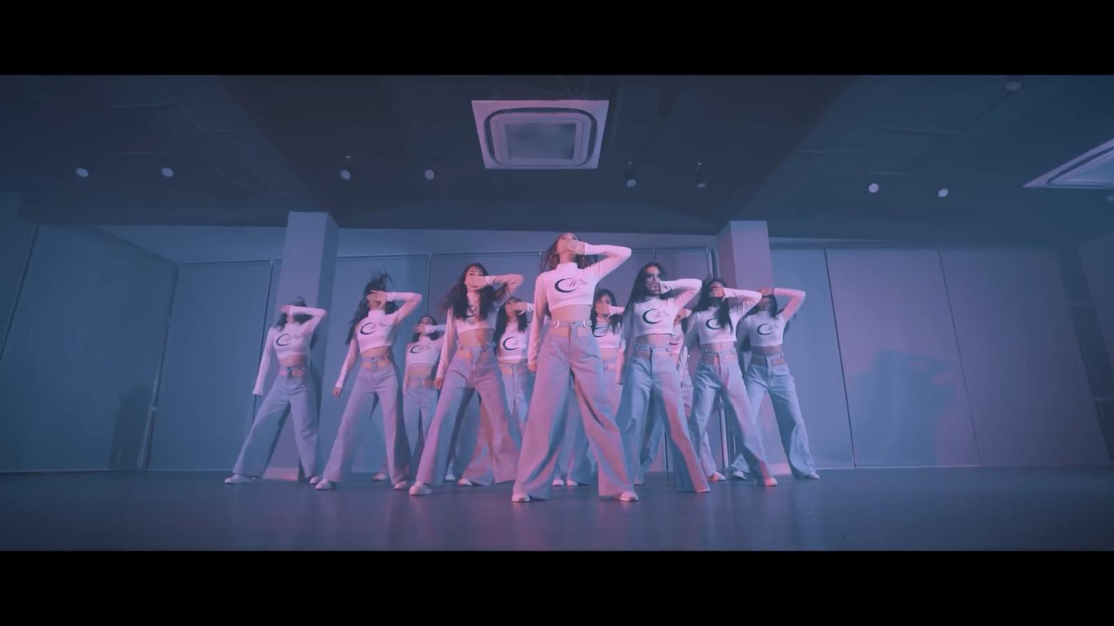 Minh Hằng - 'Cỗ máy nhảy' của Vpop