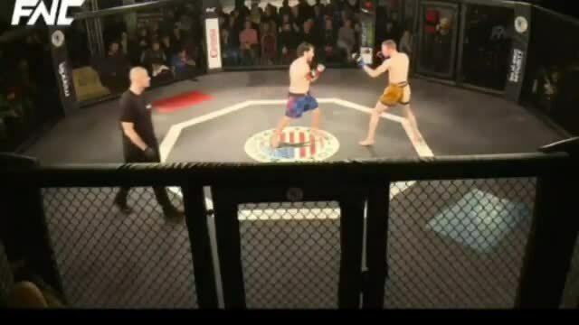 Võ sĩ MMA thắng mà không cần đánh
