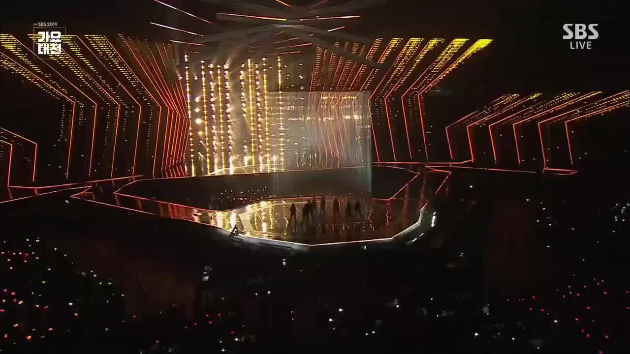 Những sân khấu đặc biệt của SBS Gayo