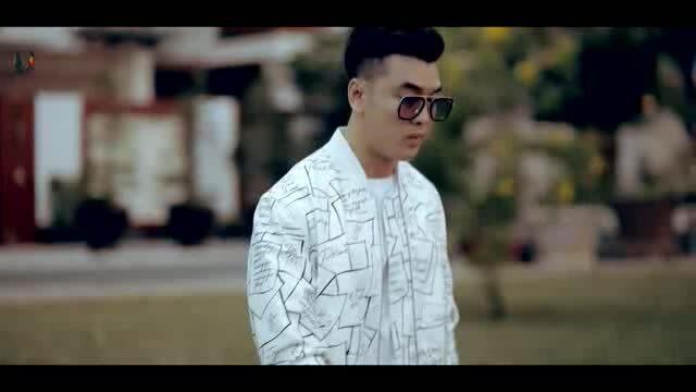 MV lyrics 'Cách biệt hai phương trời' - Ưng Hoàng Phúc