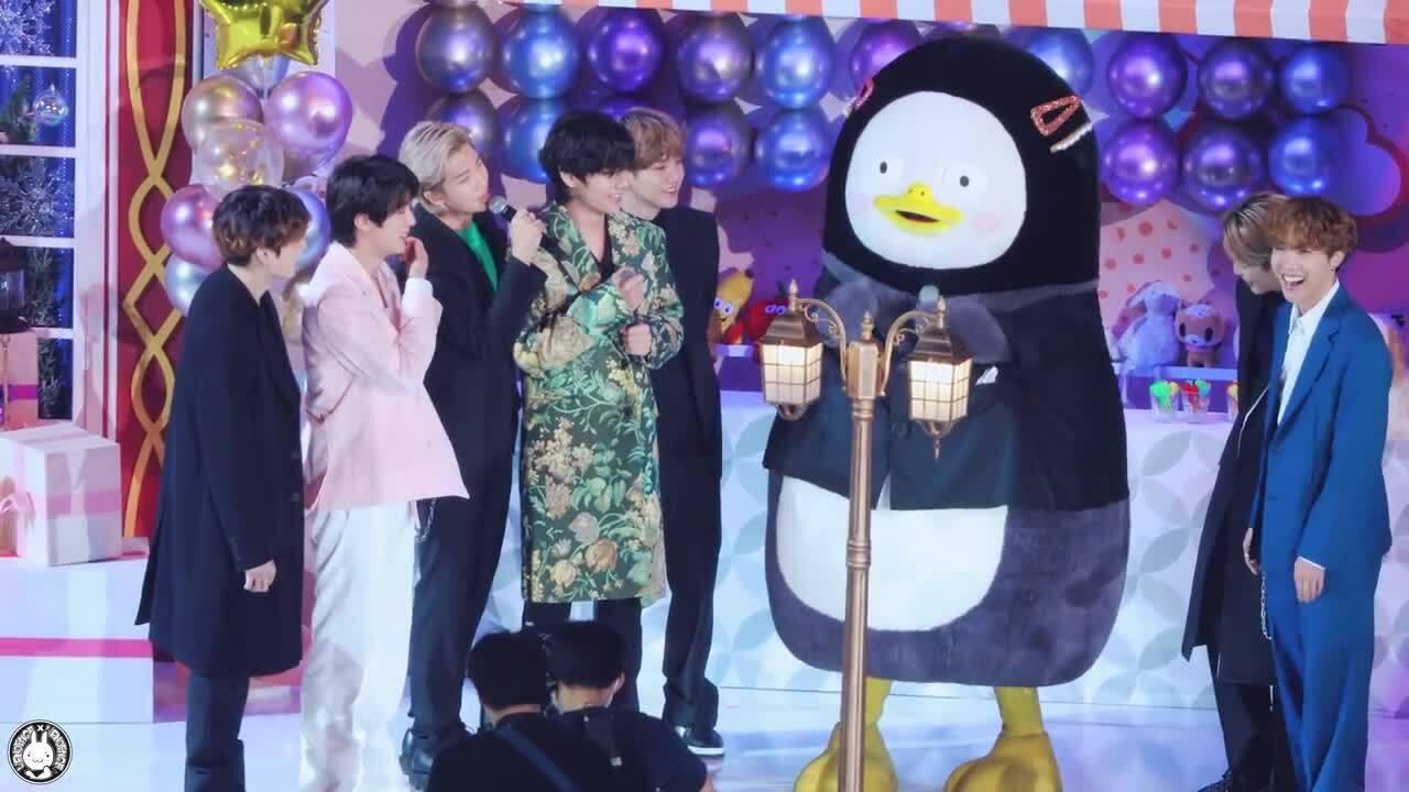 Pengsoo - Chú chim cánh cụt khiến hội fan Kpop ghen tị