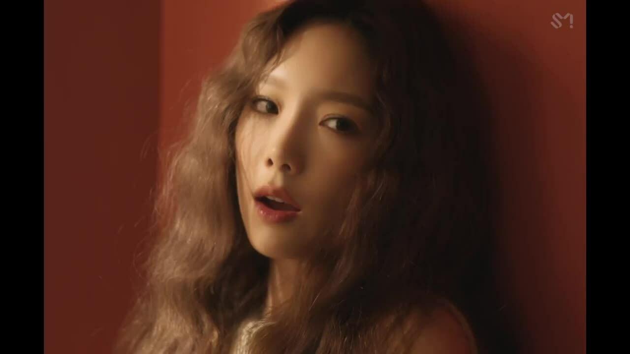 Tae Yeon khoe visual lung linh trong MV 'Dear Me'