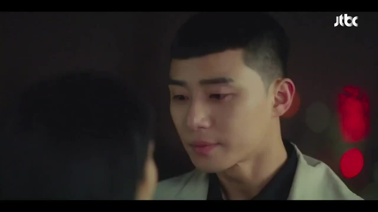 Nụ hôn ở tập cuối 'Tầng lớp Itaewon': Fan phấn khích, netizen chê nhạt
