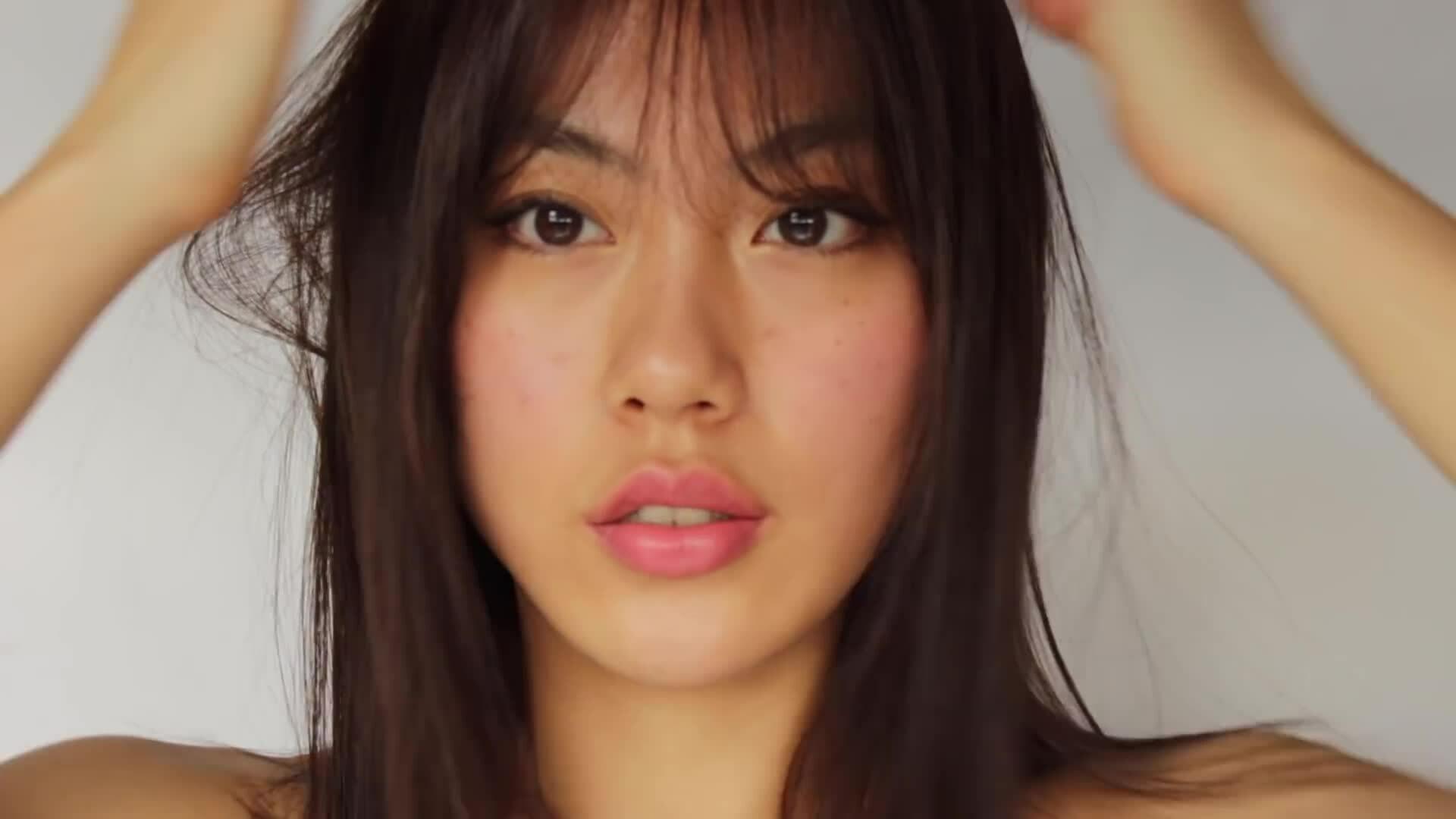 Cách tự cắt tóc mái tại nhà chuẩn Hàn Quốc - Haley Kim