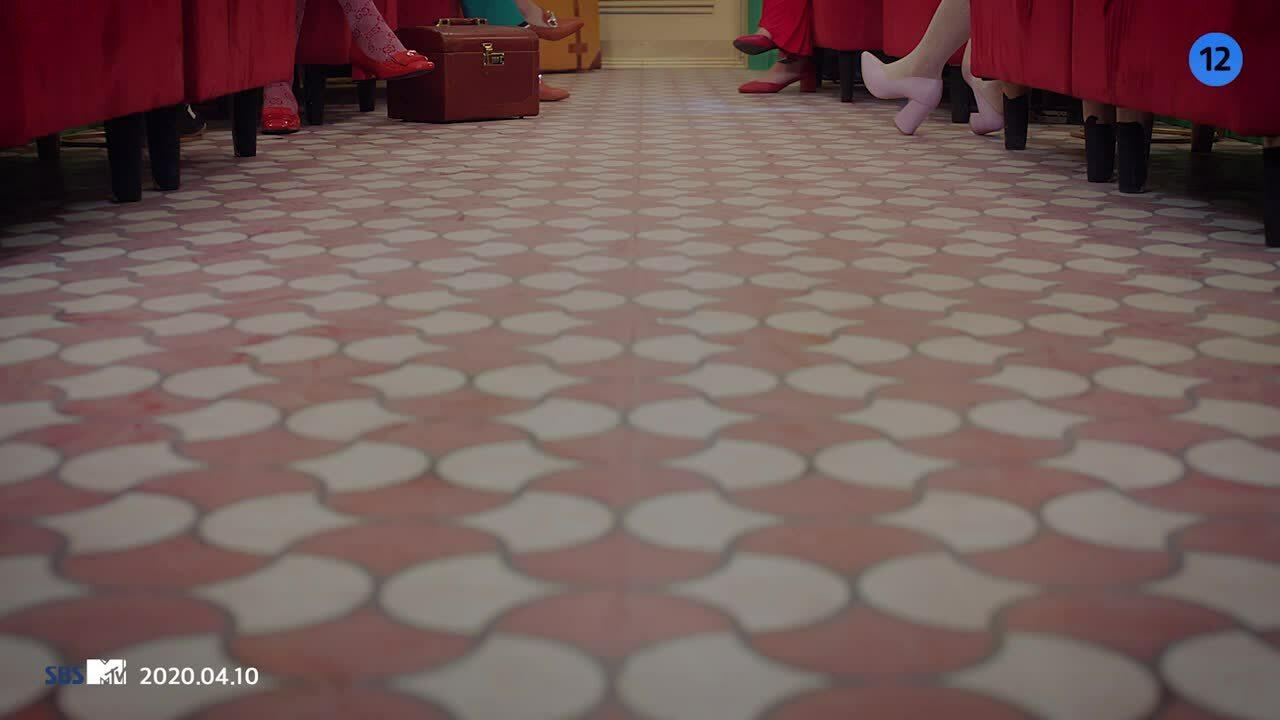 Apink tung MV mới 'chất' từ nhạc cho tới visual