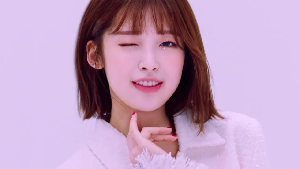 Oh My Girl khoe visual tươi trẻ đậm chất hè trong MV 'Nonstop'