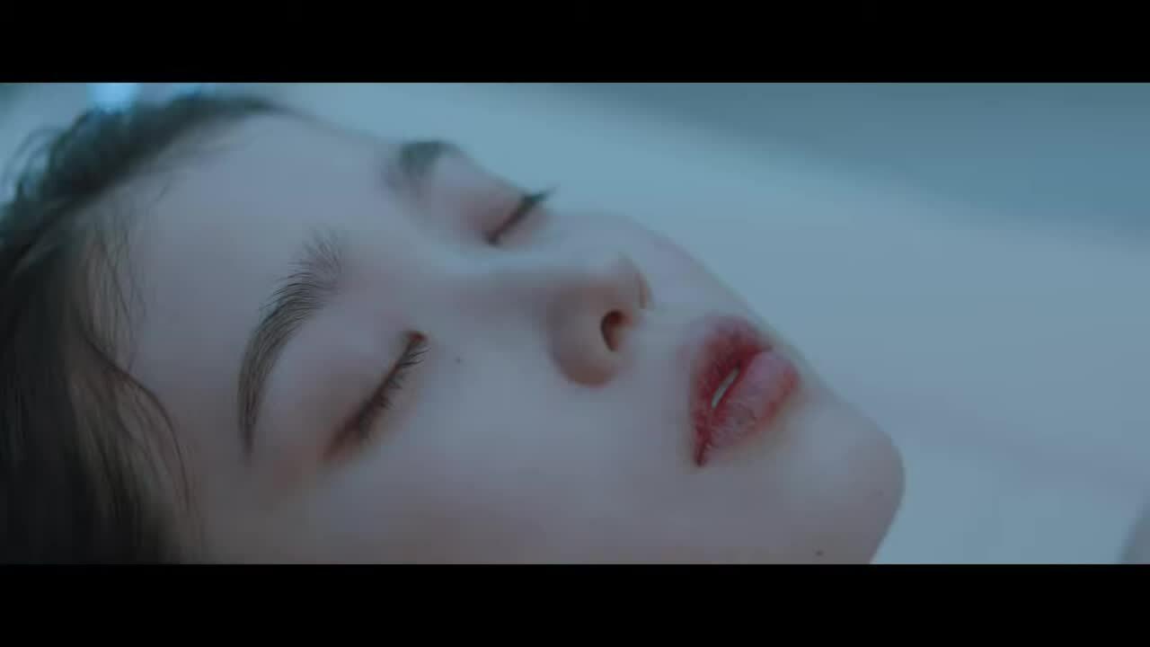 IU khoe visual 'tiên nữ', kết hợp cùng Suga (BTS) trong MV comeback