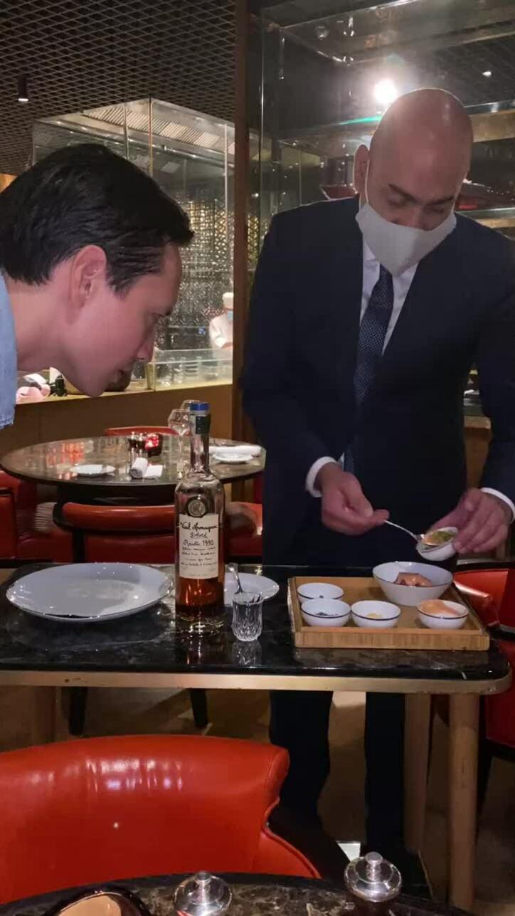 Hồ Ngọc Hà đi ăn với Kim Lý