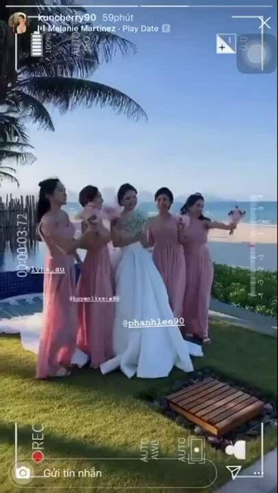 Phanh Lee và chồng đại gia không nhận tiền mừng cưới