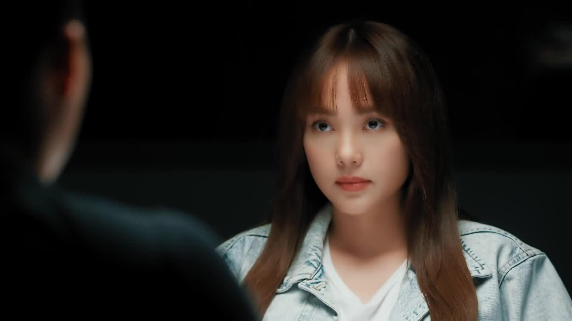 Minh Hằng tung trailer 'Kẻ săn tin' kịch tính, quy tụ dàn sao khủng