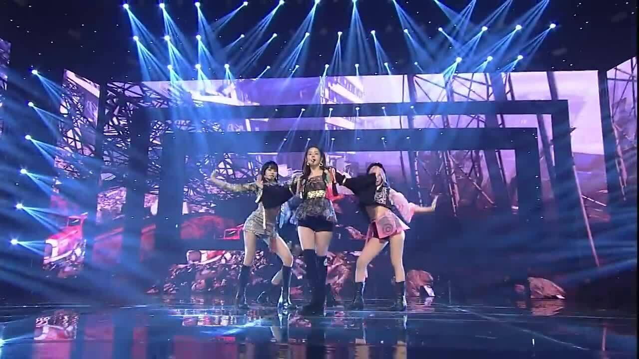 Black Pink trình diễn 'How you like that' trên truyền hình Mỹ