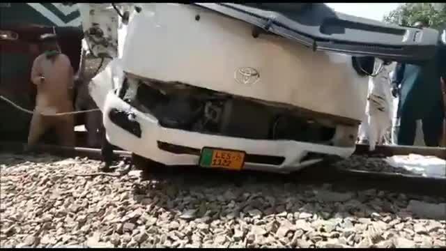 19 người trong cùng gia đình thiệt mạng vì tàu hỏa đâm