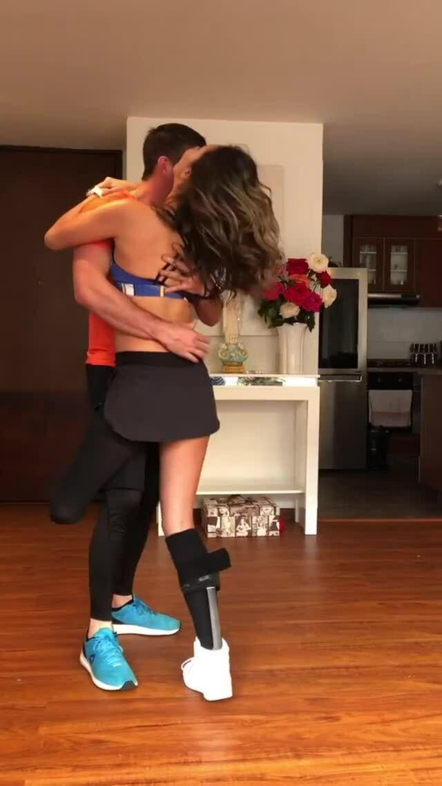 Cựu hoa hậu Colombia tập nhảy sau khi bị cắt cụt chân