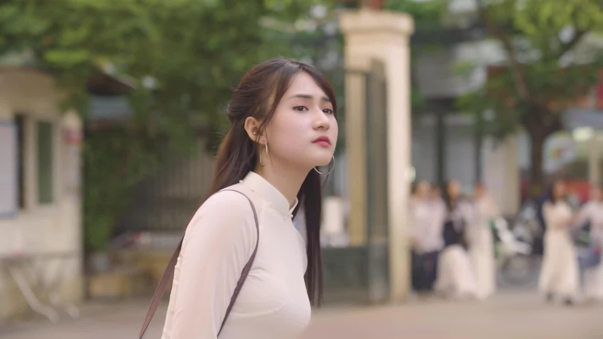 Yanbi kết hợp Dương Trường Giang ra MV về tuổi học trò
