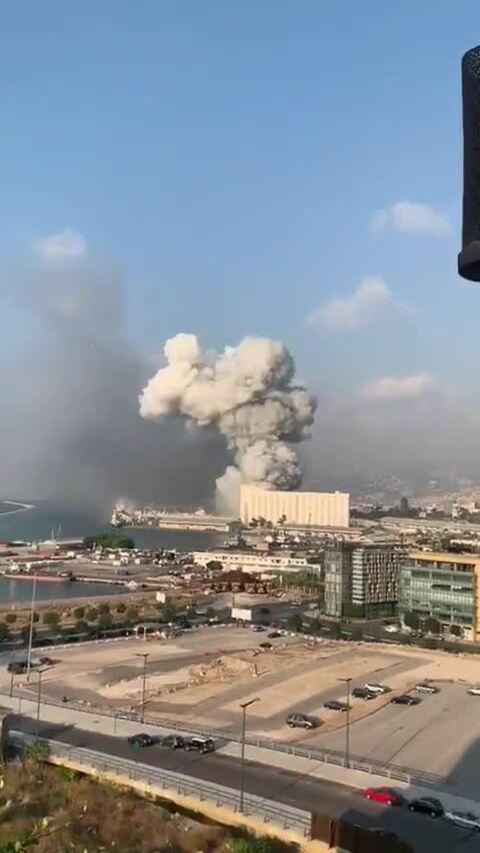 Chuyên gia về chất nổ nói vụ nổ ở Beirut do tên lửa gây ra