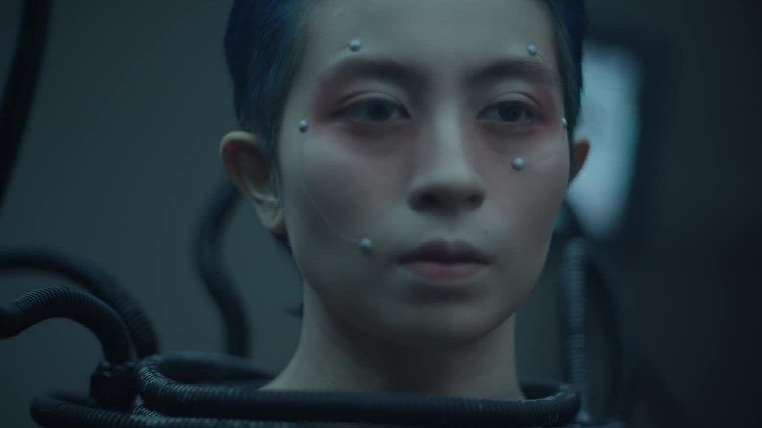 Gil Lê bị cho gợi nhắc tình cũ ở MV đau khổ vì tình