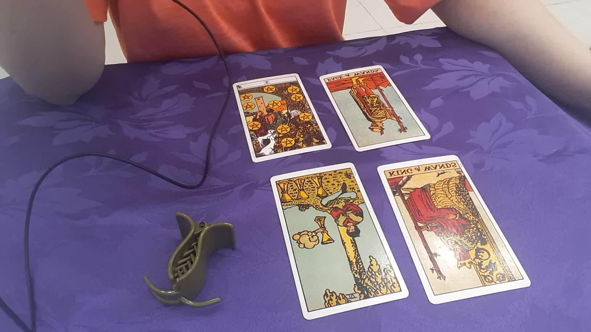 Video Tarot: Biểu hiện bên ngoài và suy nghĩ bên trong của họ về bạn