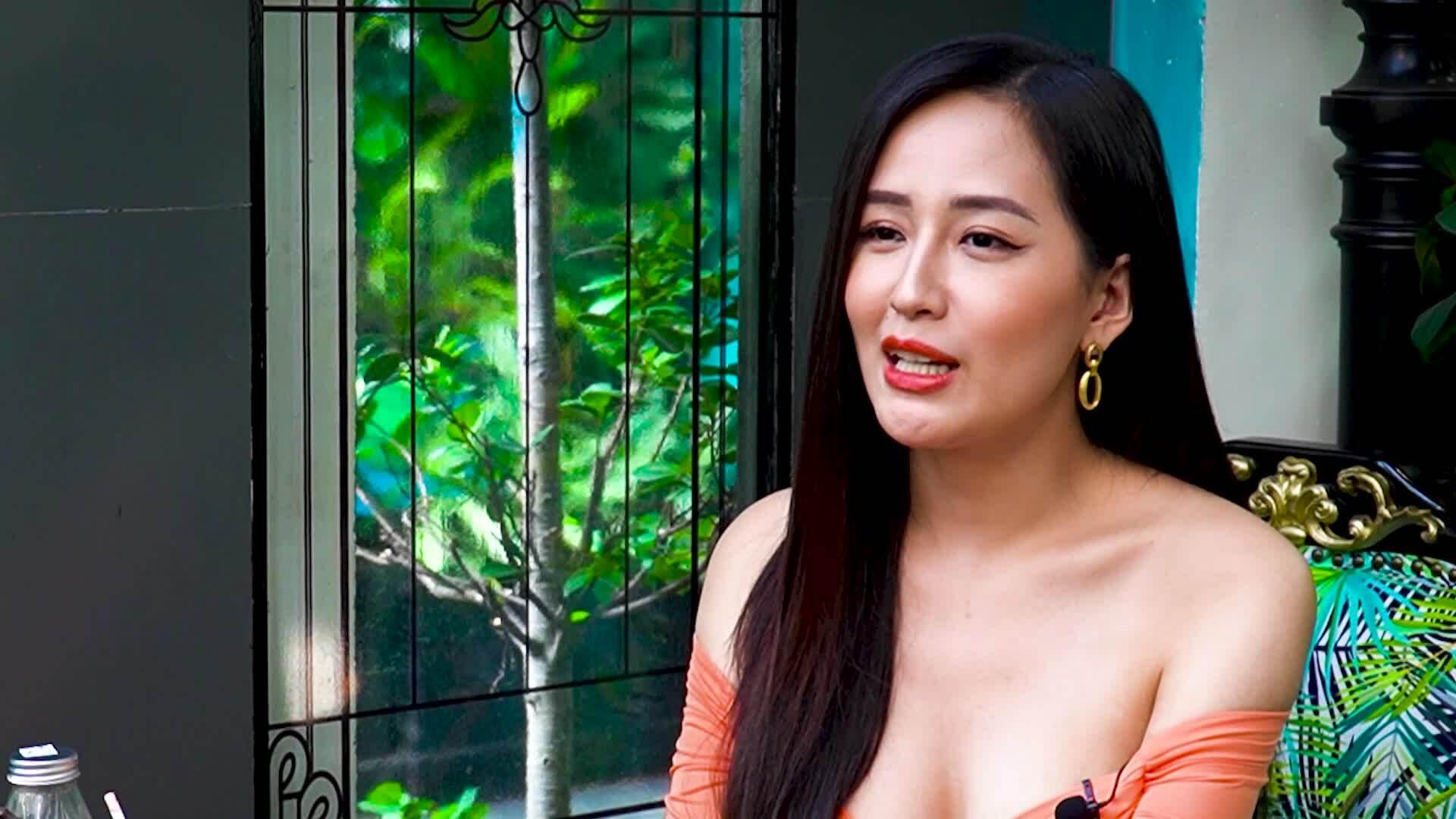 Mai Phương Thúy: 'Bạn trai tôi ngoài đẹp trai và làm gối ôm thì chả định hướng được gì'