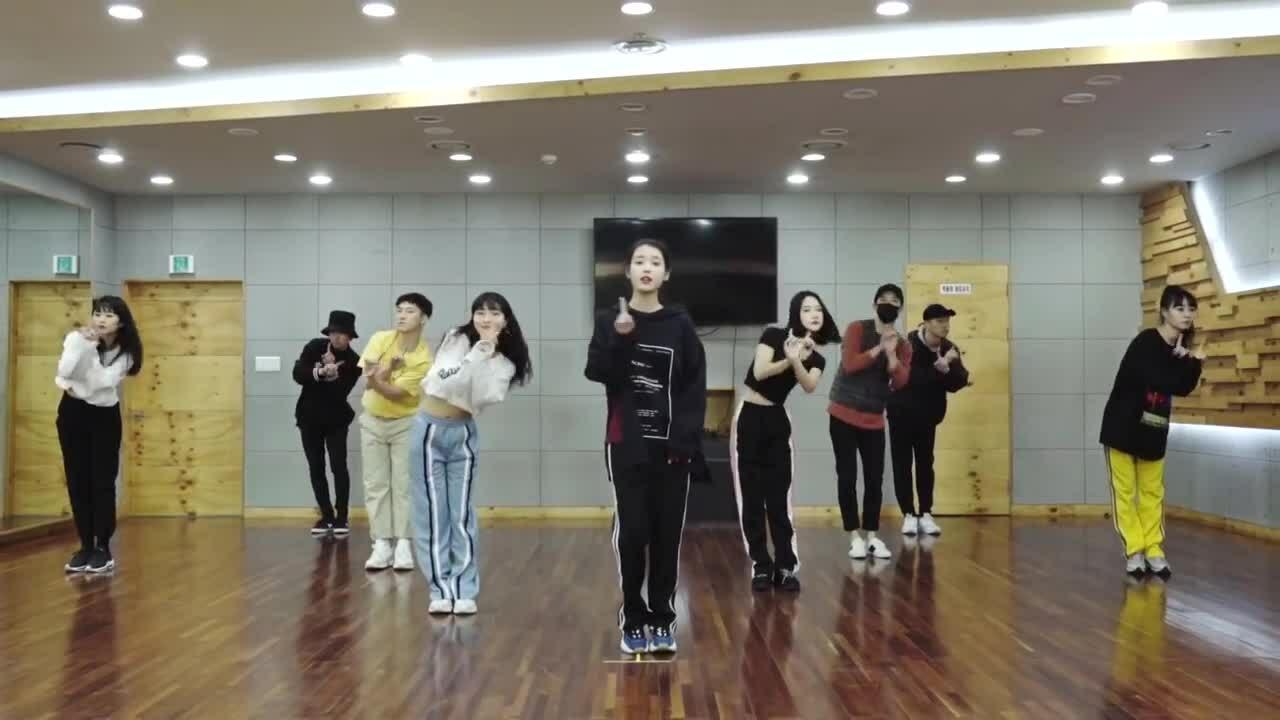 11 bài hát phù hợp với người mới học nhảy cover Kpop