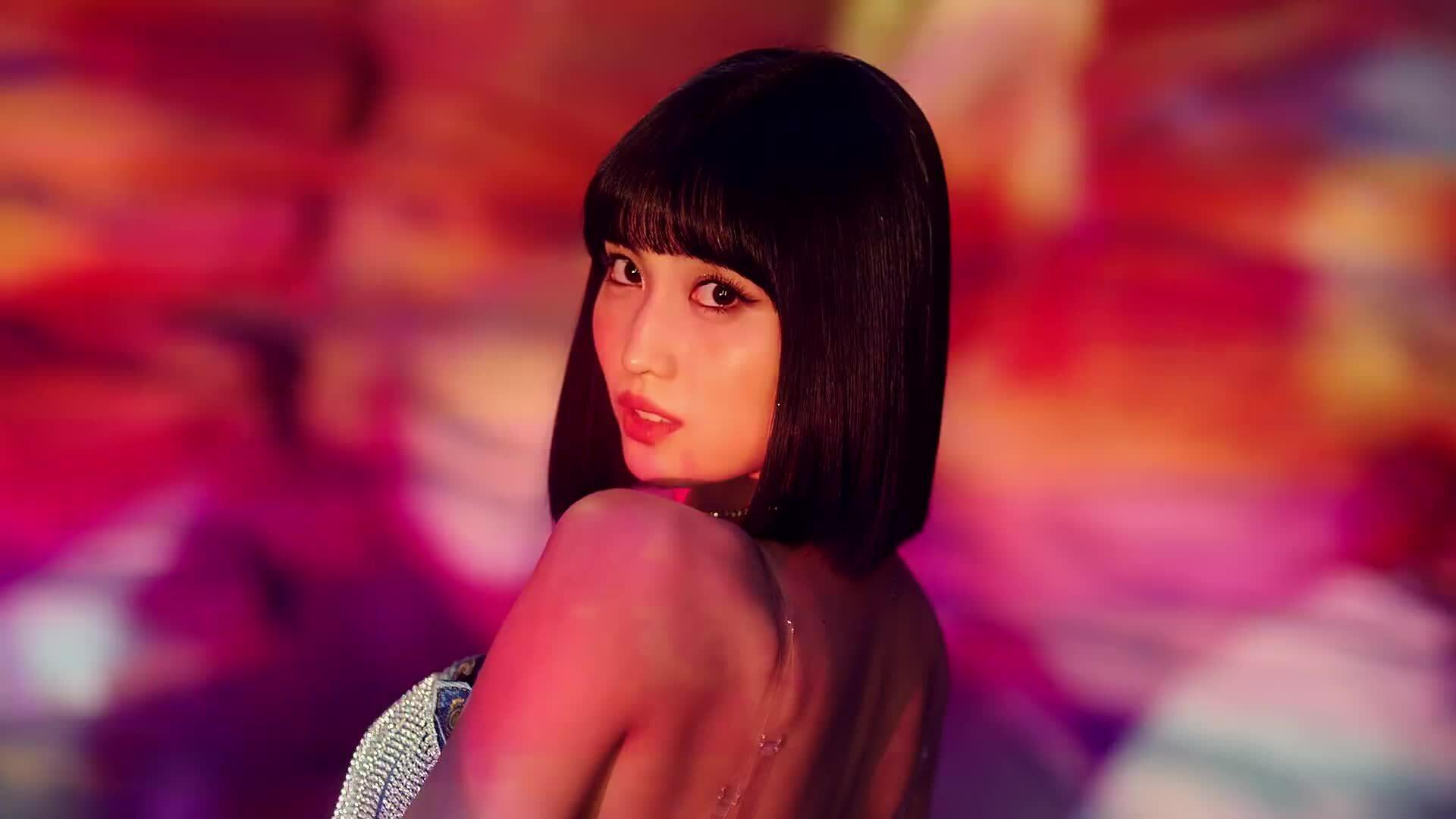 Twice comeback: Nhan sắc long lanh nhưng MV bị chê 'phèn'