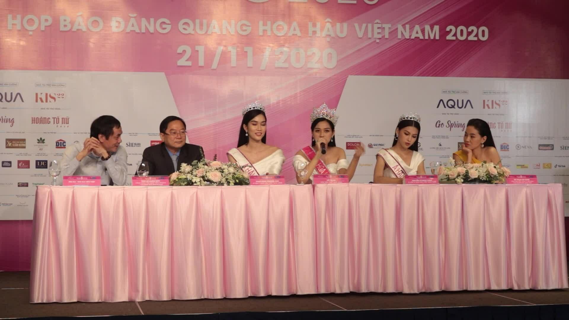 Top 3 Hoa hậu Việt Nam nói tiếng Anh